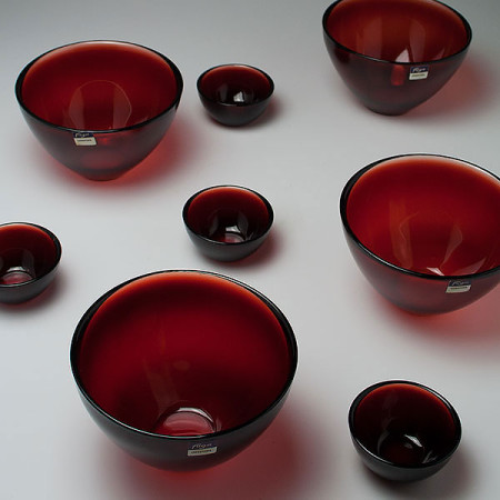 sven-palmqvist-orrefors-red-fuga-bowl-group-1